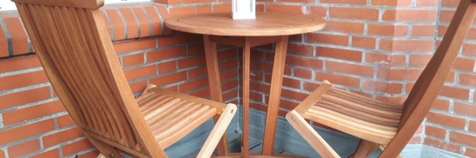 Bilder der neuen Balkonmöbel der Ferienwohnung Strand Harmonie in Schillig